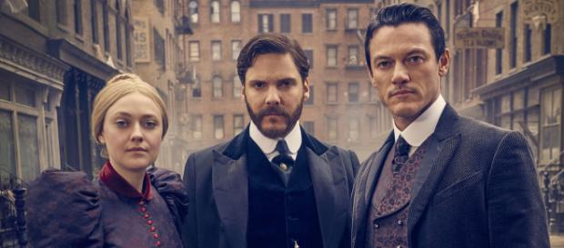 Dakota Fanning, Daniel Brühl, Luke Evans in The Alienist