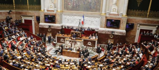 Les logements gratuits des fonctionnaires font scandale à l'Assemblée nationale- leparisien.fr