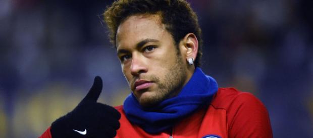 Neymar en los momentos previos de un partido