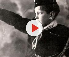 Giovane fascista fa un saluto romano - Il Primato Nazionale