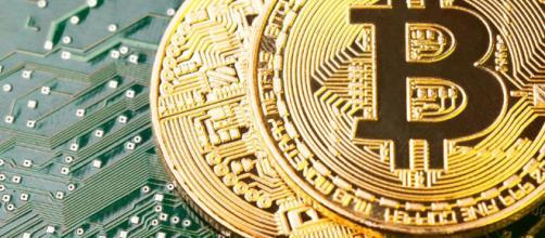 Bitcoin crollerà del 90%: la previsione schock