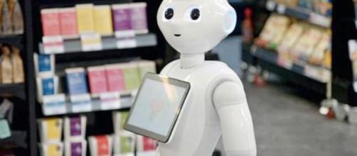 Il robot 'Fabio' era in prova da una settimana in un supermercato, ma è stato licenziato in tronco.