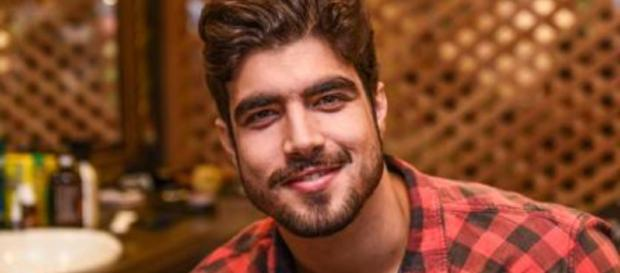 Caio Castro bate boca com seguidora e o pior acontece