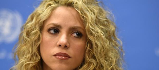 Además de sus problemas de cuerdas vocales, Shakira es ahora investigada en España