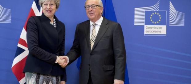 Unión Europea y Gran Bretaña buscan salvar la negociación por el ... - clarin.com