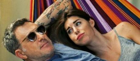 Isola, Bianca Atzei naufraga: il presunto flirt con Filippo Nardi