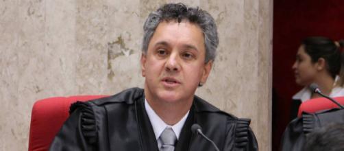 Gebran Neto aumenta pena de Lula para 12 anos e 1 mês.
