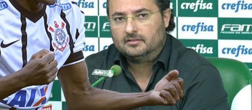 O jogador quer voltar a atuar no Brasil