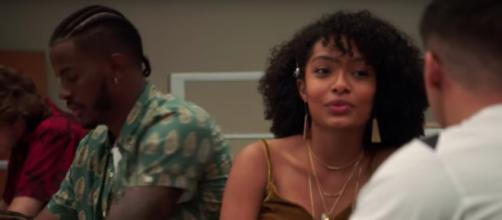 Zoey discusses a social media violation with her friends on 'Grown-ish' (TV Promos/YouTube Screencap)