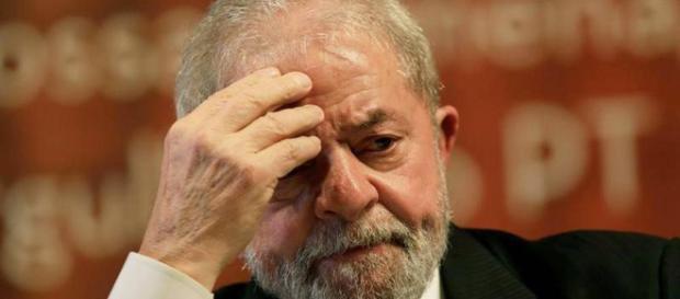 Ex-presidente Lula enfrenta julgamento no Tribunal de segunda instância, quanto ao caso Tríplex