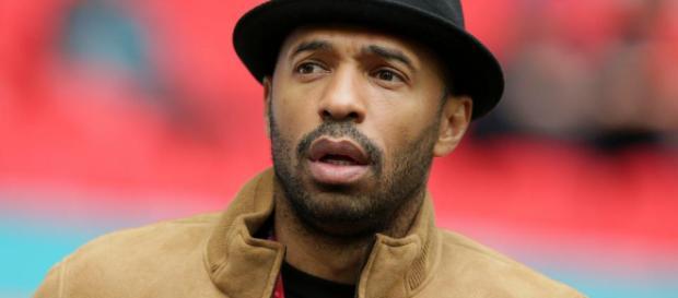 Henry insiste en que no jugó un papel en la salida del Arsenal de el chileno