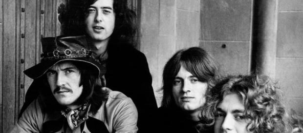 Led Zeppelin III': How Band Embraced Trippy Folk Side - Rolling Stone - rollingstone.com