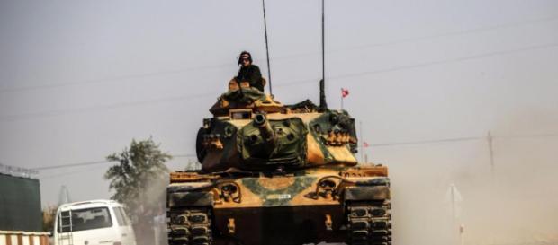 Mehr Panzer nach Syrien - Türkei verstärkt Boden-Offensive ... - bild.de