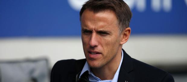Neville no recibió ninguna amonestación por los comentarios en las redes