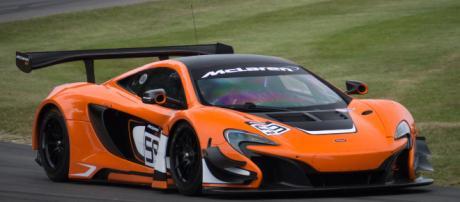 McLaren orange -- Wikimedia Commons