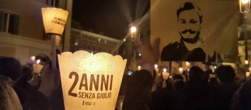 """""""2 anni senza Giulio"""". Fiaccolata a Piazza Montecitorio (Roma)"""
