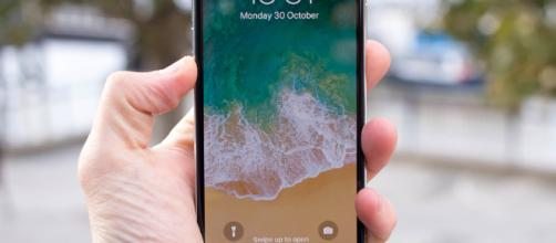 Apple iPhone X review: The future of Apple smartphones - Pocket-lint - pocket-lint.com