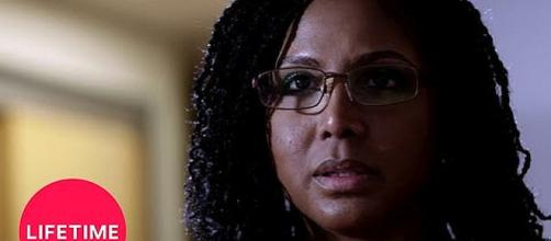 "Toni Braxton stars in Lifetime movie, ""Faith Under Fire"" [Image: Lifetime/YouTube screenshot]"