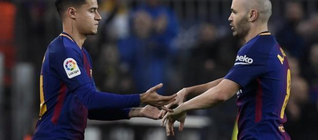 Coutinho debutó con el FC Barcelona sustituyendo a Andrés Iniesta