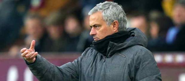 José Mourinho está agora treinando o Manchester United