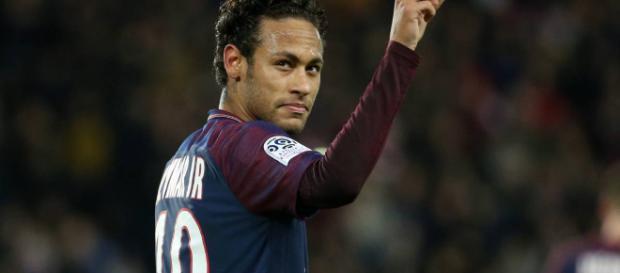 Neymar espera cambiar de aires el próximo verano