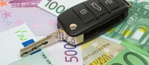 Bollo auto: ecco chi può usufruire dell'esenzione fiscale in Italia