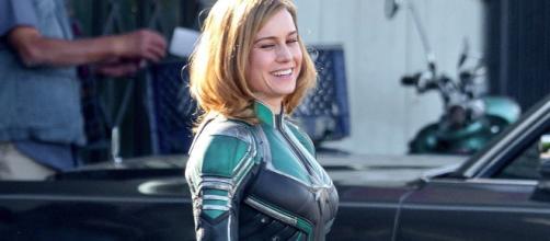 Brie Larson enfundada como Captain Marvel