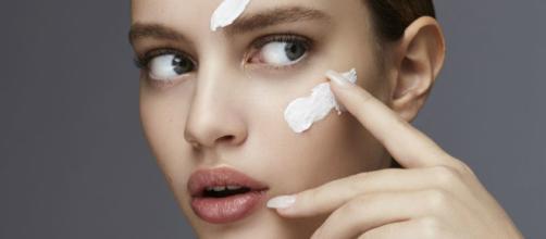 Estos errores pueden costarle muy caro a la piel de tu rostro - elle.es