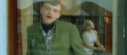 The Fall's Mark E Smith dies aged 60 |Image credit - ITV News | YouTube