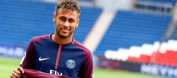3 août 2017 : le jour où… Neymar a signé au PSG - Le Point - lepoint.fr
