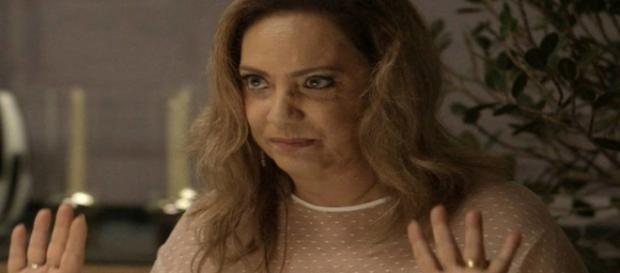 Inconsciente no hospital, Nádia humilhará Raquel na frente de Bruno