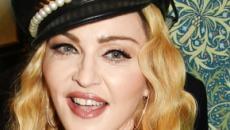 Madonna, la foto osé con borsa griffata che divide i fan
