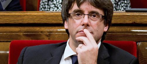 Puigdemont no renuncia a la República catalana - Sputnik Mundo - sputniknews.com