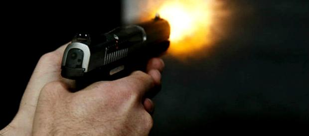 Crime ocorreu no recinto da escola e foi presenciado por alunos