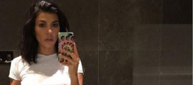 Kourtney Kardashian está de férias com o namorado