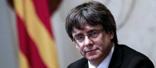 Carles Mundó renuncia al acta de diputado y el Parlament recibe la ... - elpais.com