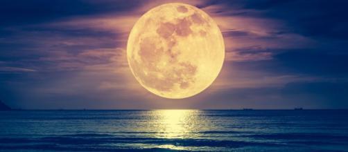 Découvrez l'influence de la super lune bleue de sang selon votre ... - cosmopolitan.fr