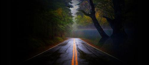Whose road is ending? (Image skeeze Pixabay)