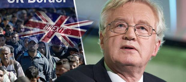 David Davis, ministrul britanic pentru Brexit a spus că imigrația din UE va continua după ieșirea Regatului Unit din blocul comunitar