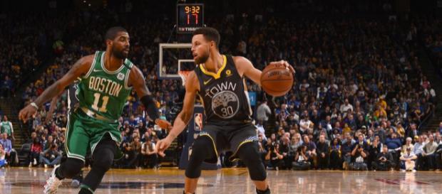 Irving y Curry demostraron porque son los mejores bases de la liga