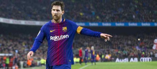 Leo Messi continua dirigindo seu time para a vitória