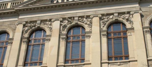 Studii cu privire la absolvenții universităților în România