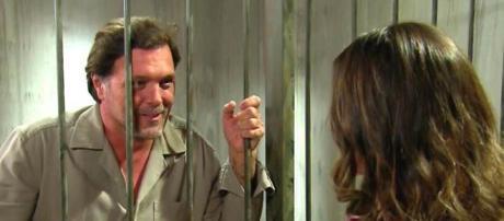 Luiz conversando com Fernanda em ''Um Caminho Para o Destino''