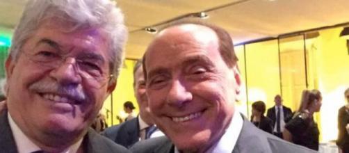 Antonio Razzi insieme a Silvio Berlusconi
