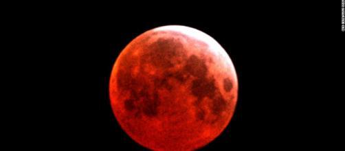 Así se aprecia un eclipse de la 'luna de sangre'