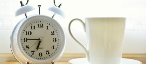 """Estrategias psicológicas para """"despertarse más temprano""""."""