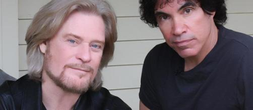 Hall & Oates will begin a summer tour with Train May 1. [Image Source: Wikimedia Commons /Gary Harris]