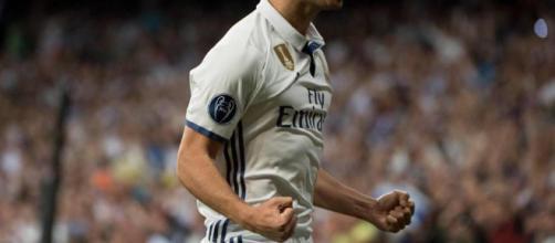 Marco asensio gritando un gol.