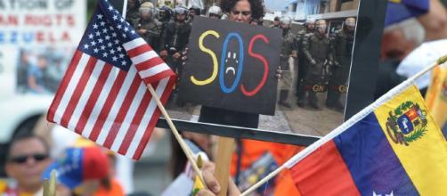 Venezuela se ha convertido en la nación con el mayor número de peticiones de asilo a Estados Unidos (vía el venezolanonews.com)