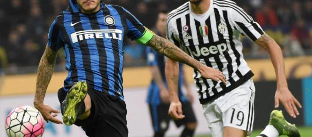 Mauro Icardi (izquierda) frente a Leonardo Bonucci(derecha).